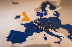 Lock on EU map